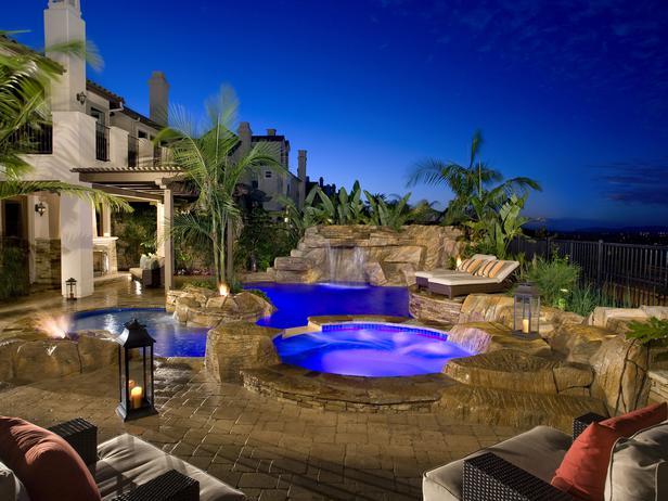 Modele si propuneri pentru amenajarea piscinei din curtea for Amenajari piscine exterioare