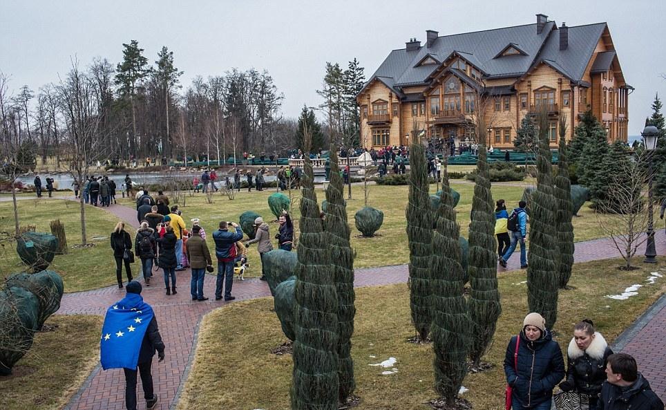 Gradina_Victor_Ianukovici_3