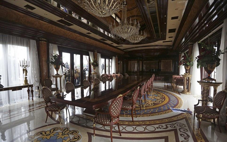 Interior_casa_Victor_Ianukovici